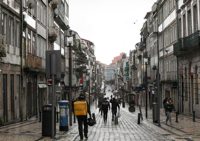 Portugal prorroga lockdown de Covid-19, mas planejará suspensão de restrições