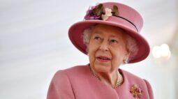 Não seja egoísta e tome a vacina contra Covid, diz rainha Elizabeth
