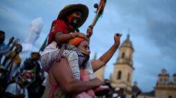 Mais de 11 mil foram deslocados pela violência na Colômbia este ano, diz Defensoria