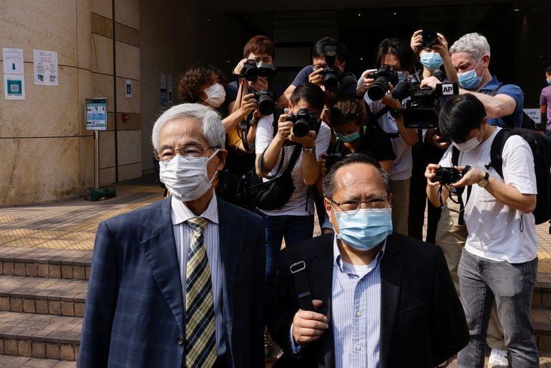 Democratas veteranos de Hong Kong são condenados por reunião ilegal