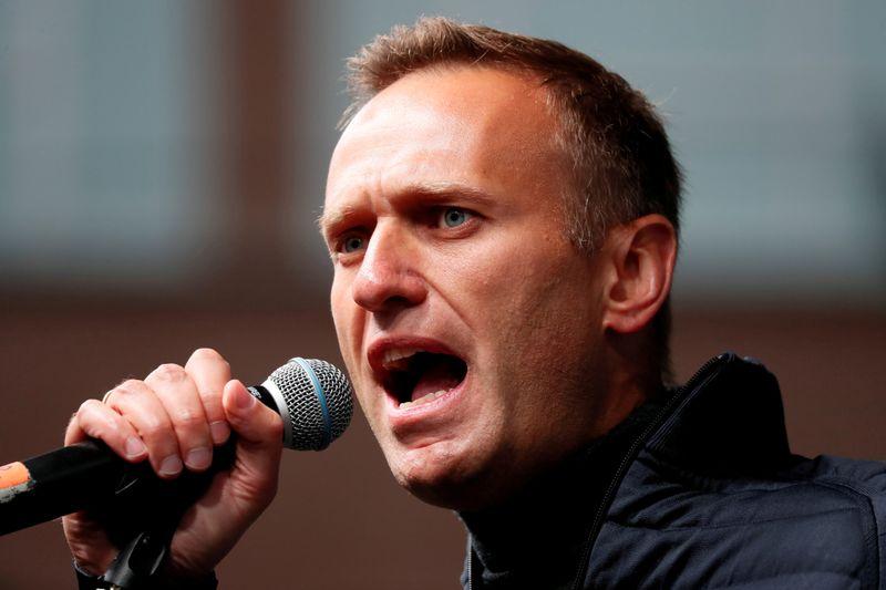 Opositor russo preso Navalny diz estar com tosse e temperatura alta em meio a surto de tuberculose