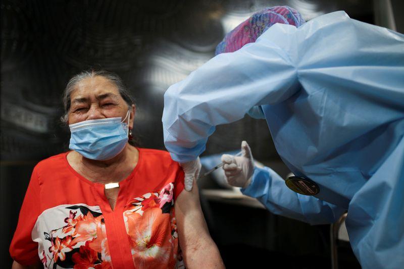 Colômbia permitirá importações de vacinas contra Covid-19 por empresas, mas doses precisam ser gratuitas