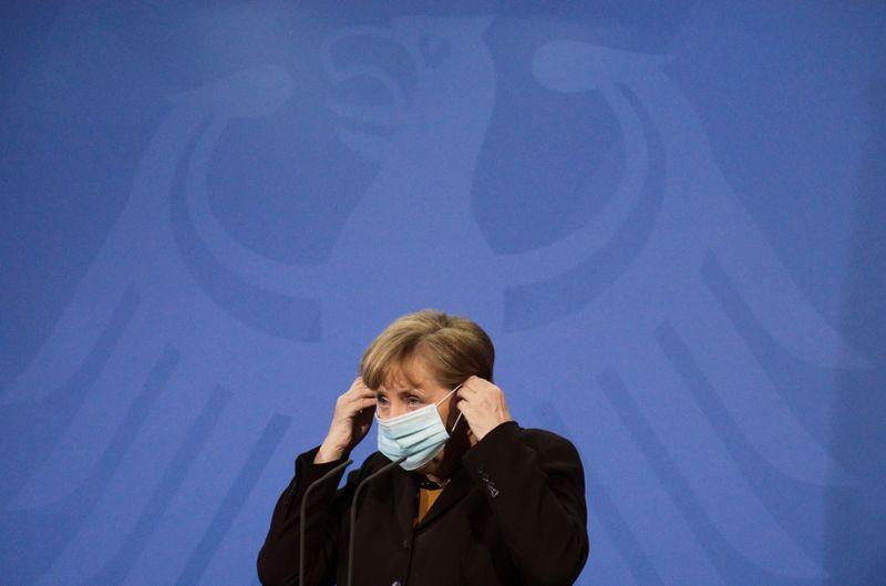 Merkel defende lockdown mais rígido na Alemanha