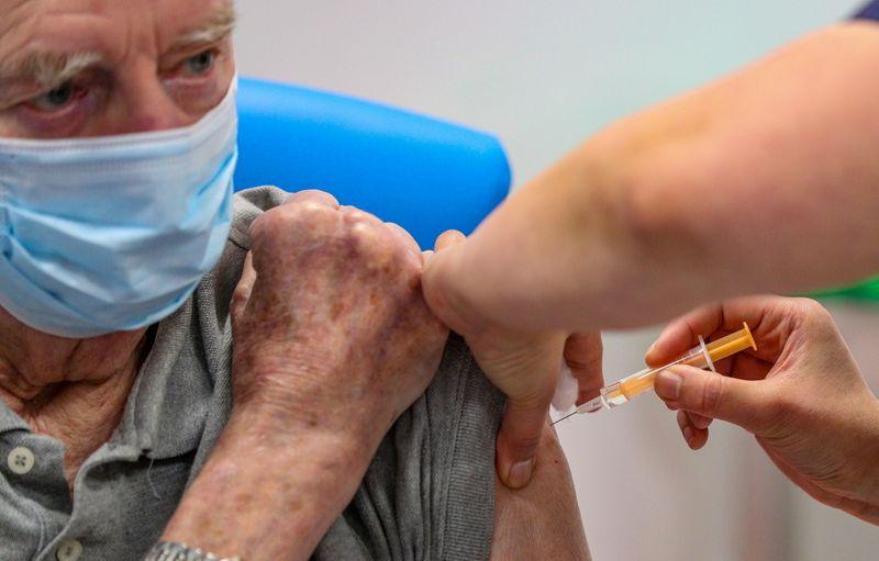 Curitiba: grupo de 65 anos tem vacinação da 1ª dose neste sábado (17)