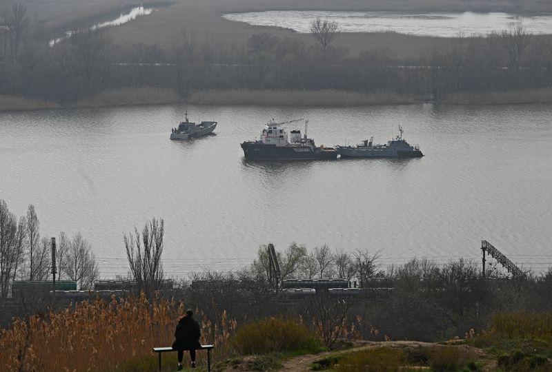 Rússia inicia manobras no Mar Negro antes de chegada de navios de guerra dos EUA