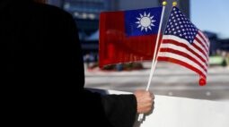 """Emissários de Biden vão a Taiwan, e China chama exercícios de """"treinos de combate"""""""