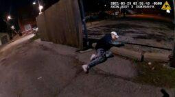 Chicago divulga vídeo em que garoto de 13 anos é baleado e morto pela polícia