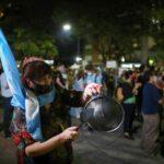 Argentinos cansados da quarentena ignoram novas restrições contra aumento da Covid-19