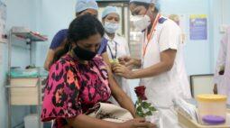 Índia financiará reforço de produção de fabricantes de vacinas devido a escassez