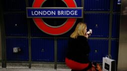 Estação London Bridge é esvaziada em Londres, polícia investiga item suspeito