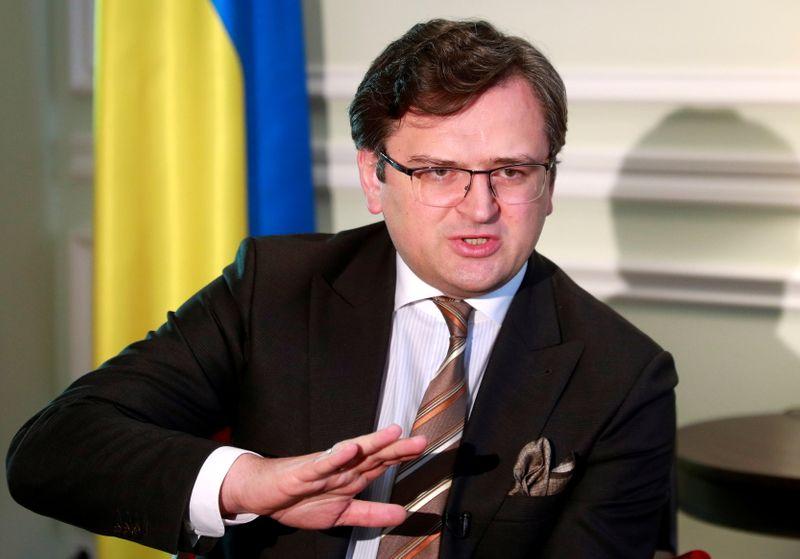 Ucrânia diz que Ocidente deve agir já para impedir nova ofensiva militar da Rússia