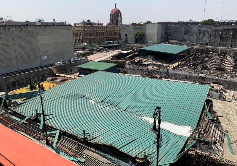 Tempestade causa colapso de estrutura sobre ruínas astecas na Cidade do México