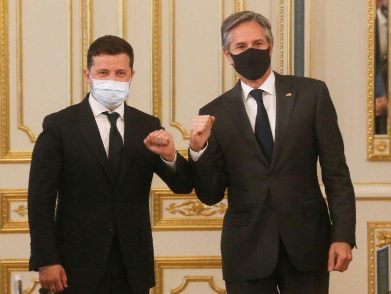 """CORREÇÃO-EUA defendem Ucrânia contra ações """"imprudentes"""" da Rússia, diz Blinken"""