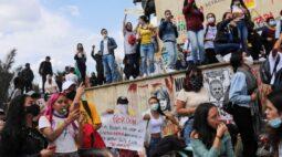 Violência continua em alguns protestos na Colômbia; capital se acalma