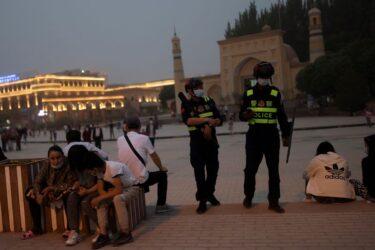 """Mesquitas desaparecem enquanto China tenta """"construir uma Xinjiang linda"""""""
