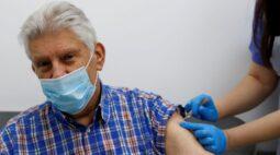 Quase 12 mil vidas foram salvas por vacinas na Inglaterra até agora, aponta análise