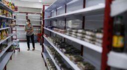 Com escassez de combustível e comida, população da colombiana Cali pede negociação