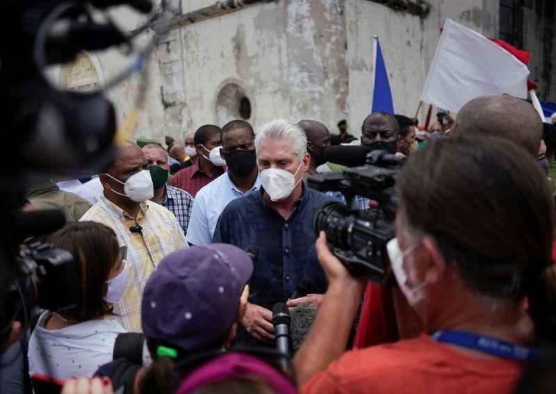 """Presidente de Cuba rejeita acusações de Biden sobre """"Estado falido"""""""