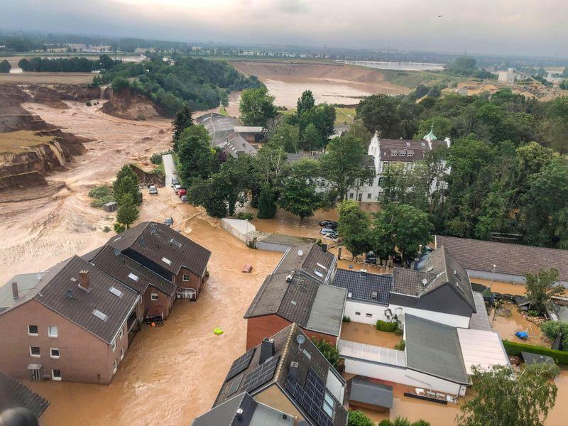 Europa Ocidental pode ter mais inundações; mortos passam de 120
