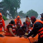 Pelo menos 67 pessoas morrem na Índia em enchentes e deslizamentos de terra