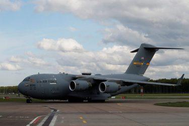 Venezuela afirma que avião militar dos EUA violou espaço aéreo