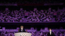Presidente do COI irrita Japão por discurso longo na cerimônia de abertura
