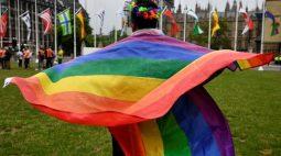 """Ativistas LGBT+ cobram inclusão na primeira marcha """"Recupere o Orgulho"""" no Reino Unido"""