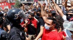 Protestos na Tunísia visam partido islâmico em meio a crise política