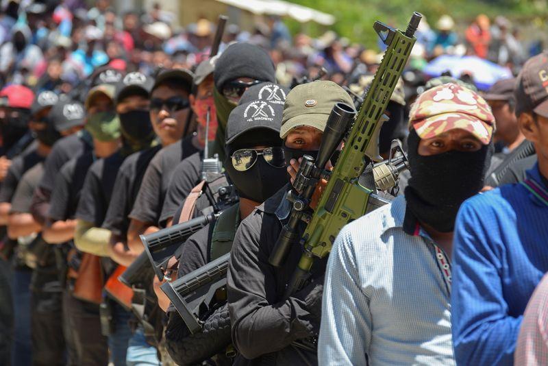 Indígenas queimam estabelecimentos comerciais no México para cobrar ação contra violência