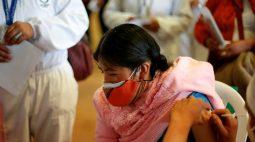 Vacinas não chegam e frustram indígenas na Bolívia