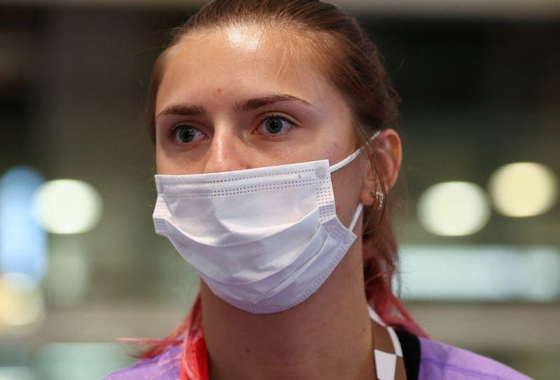 Atleta de Belarus recebe visto da Polônia após recusa em voltar para casa