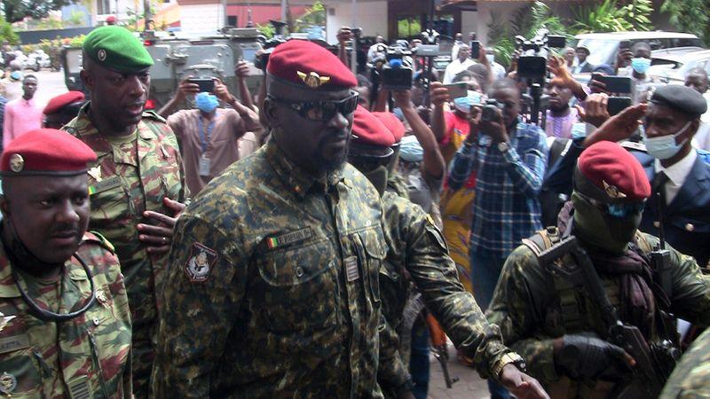 Junta da Guiné inicia conversas sobre governo de transição pós-golpe