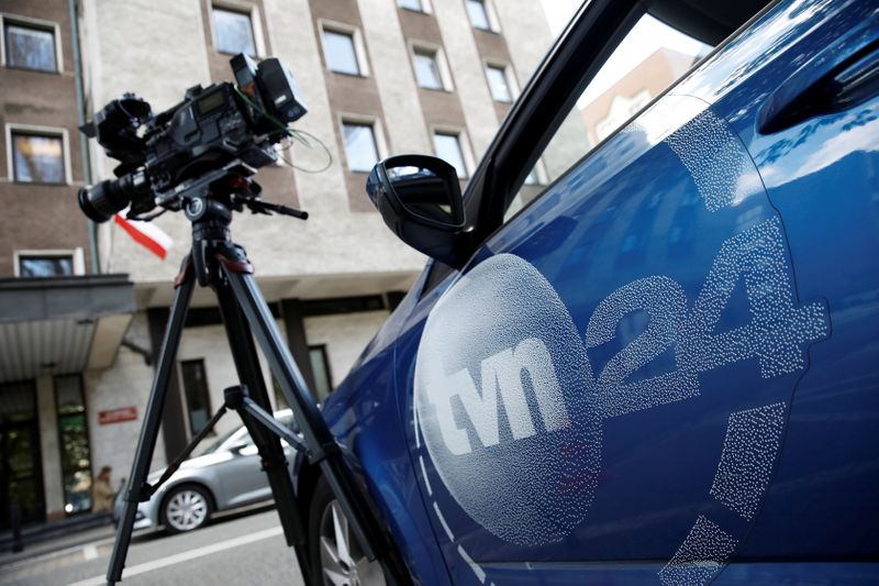Agência reguladora da Polônia aprova licença para emissora de propriedade norte-americana