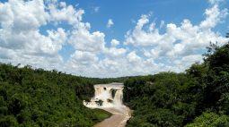 ESPECIAL-De rio poderoso a fio de água barrenta, Paraná aciona alarme climático
