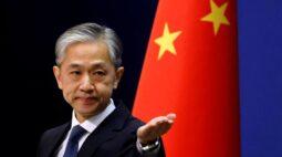 """Jornalistas estrangeiros na China veem """"declínio rápido da liberdade de imprensa"""""""