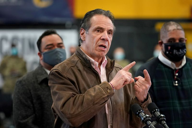 Governador de Nova York pede desculpas, mas não renuncia após acusações de assédio sexual