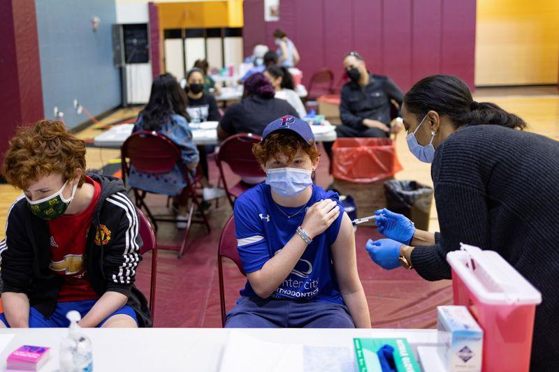 """EUA têm melhora """"dramática"""" da Covid-19, mas falta vacina em outras partes das Américas, diz Opas"""