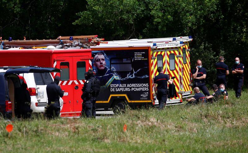 Policial é esfaqueada em ataque no oeste da França; agressor é preso