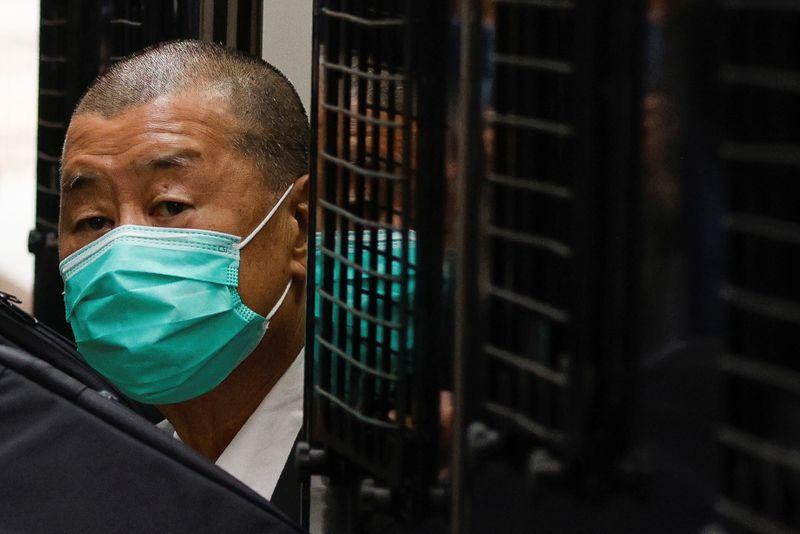 Hong Kong condena magnata Jimmy Lai a 14 meses de prisão por assembleia ilegal