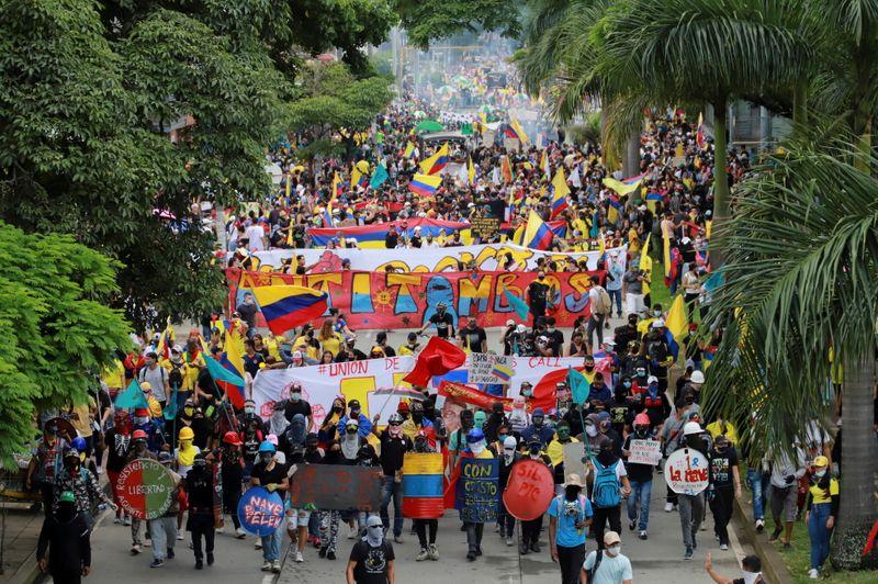 Colômbia completa 1 mês de protestos e mais 4 pessoas morrem