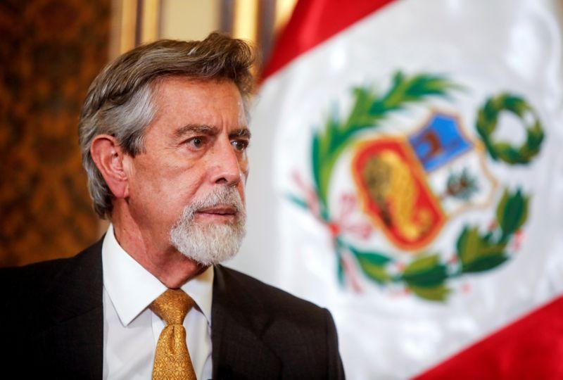 Presidente do Peru pede que candidatos respeitem resultado de eleição que deve ser apertado