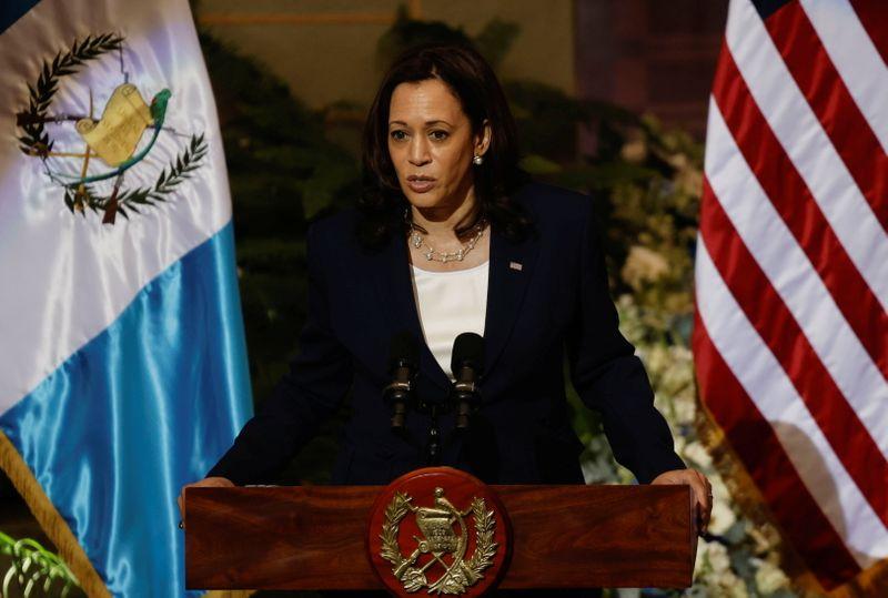 """Kamala Harris defende combate à corrupção na Guatemala e diz a imigrantes: """"não venham"""""""