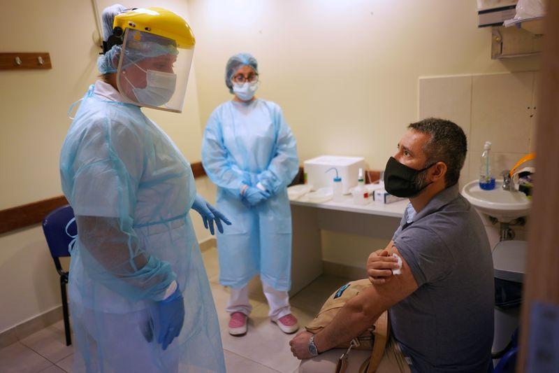 Uruguai diz que vacina contra Covid reduz mortes e internações em UTI em mais de 90%