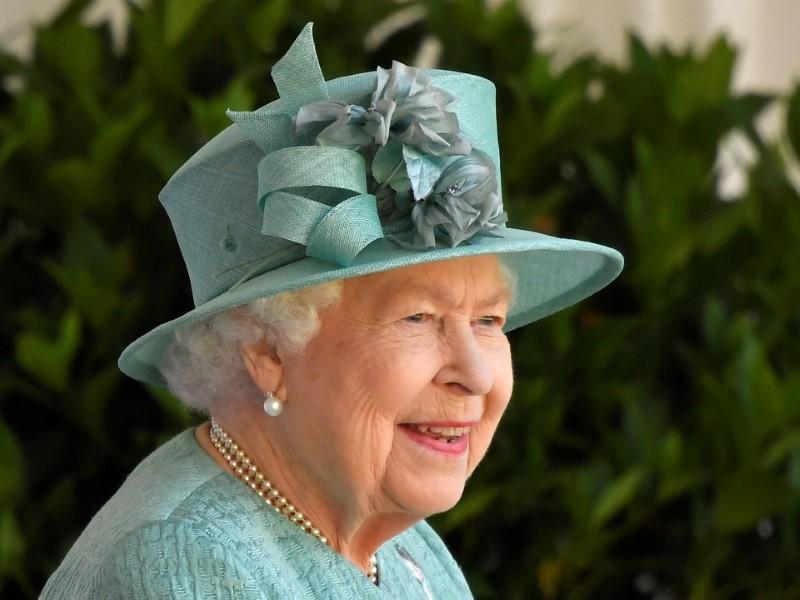 Rainha Elizabeth recebe líderes do G7