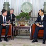 """China chama de """"absurda"""" teoria de que Covid vazou de laboratório; EUA pedem transparência"""