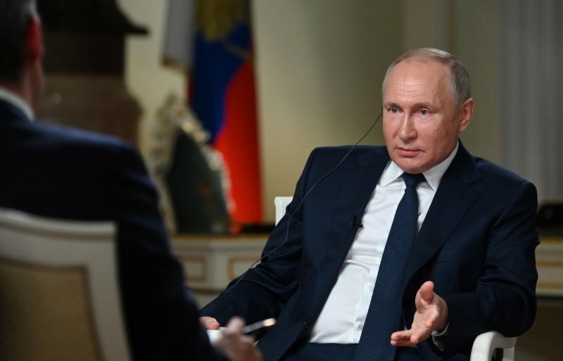 Kremlin não espera acordos em cúpula Putin-Biden, mas diz que conversas ajudam