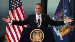 """Governador de Nova York suspende últimas restrições da Covid-19 em """"dia grandioso"""""""