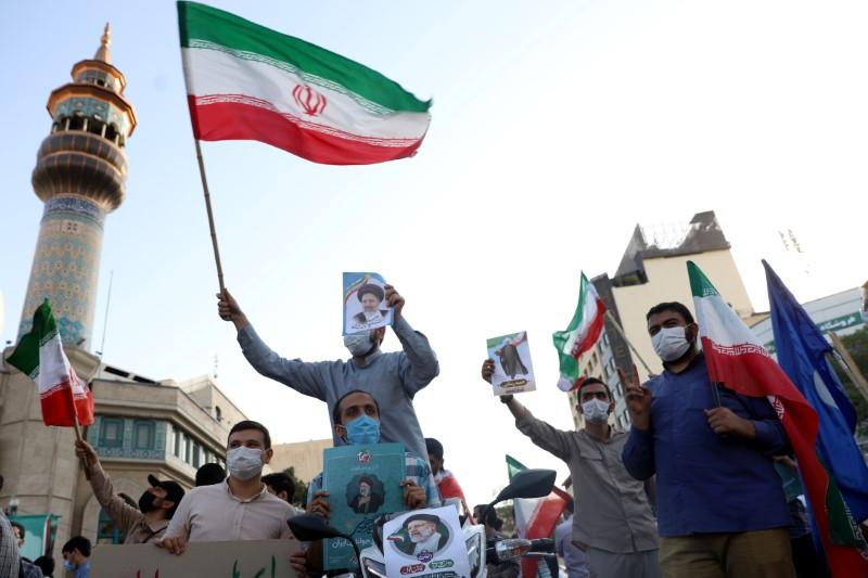 Irã pede que eleitores votem em eleição presidencial na sexta-feira