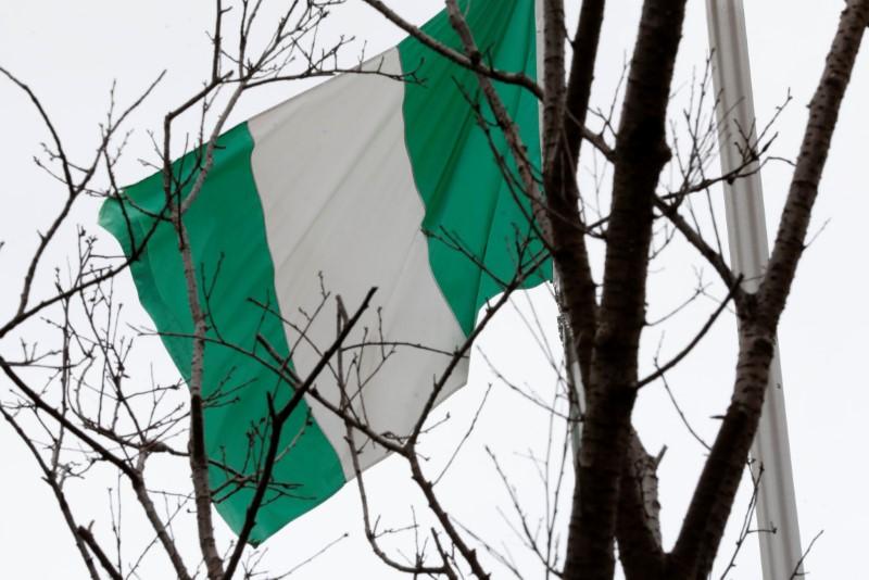 Policial é morto e 80 alunos são sequestrados em ataque a escola da Nigéria