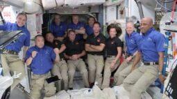 Nasa busca solução para astronautas lavarem a roupa no espaço